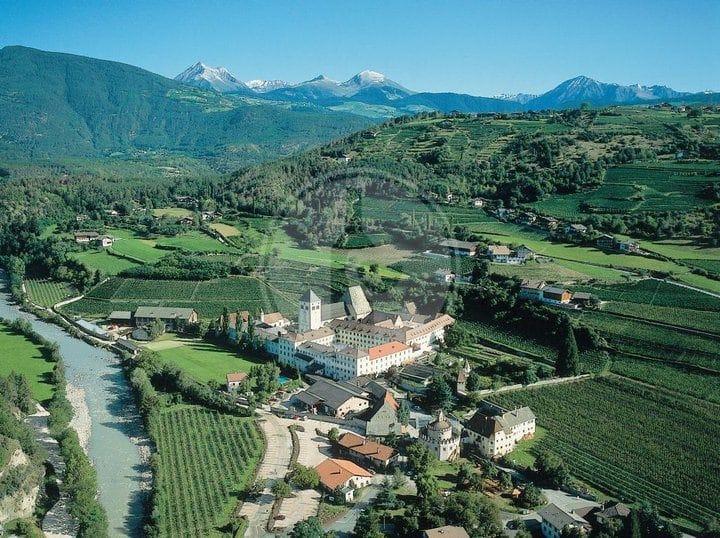 Abbazia di Novacella - Produttore di Vino - Impeto diVino